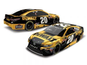 erik jones 2018 dewalt tools nascar diecast car