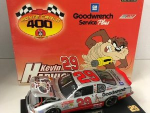 2001 kevin harvick gm goodwrench taz looney tunes 124 nascar diecast car-1