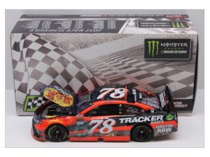 martin truex jr 2017 las vegas raced version win 1/24 diecast