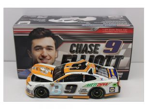 chase elliott 2018 mountain dew little ceasar diecast