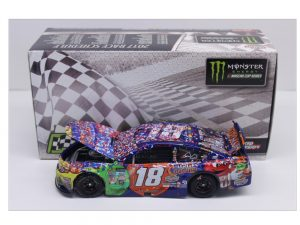 kyle busch 2017 m&ms caramel fall bristol 1/24 raced version diecast