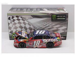 kyle busch 2018 chicagoland skittles raced version 1/24 diecast