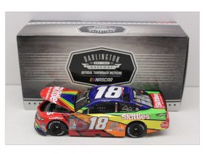 kyle busch 2018 skittle darlington 1/24 diecast