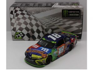 kyle busch 2017 m&ms caramel loudon playoff win caced version 1/24 diecast