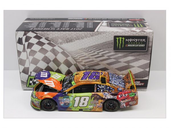 kyle busch 2017 halloween martinsville raced version 1/24 diecast