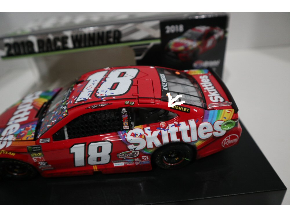 kyle busch 2018 skittles bristol raced win 1 24 diecast at the track racing collectibles kyle busch 2018 skittles bristol raced win 1 24 diecast at the track racing collectibles