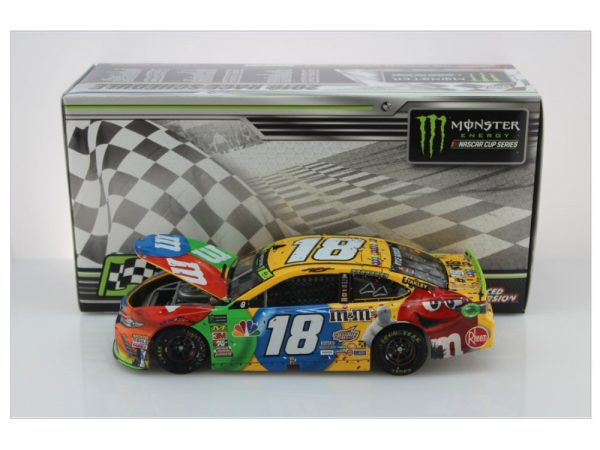 kyle busch 2018 m&ms phoenix playoff win raced version 1/24 diecast